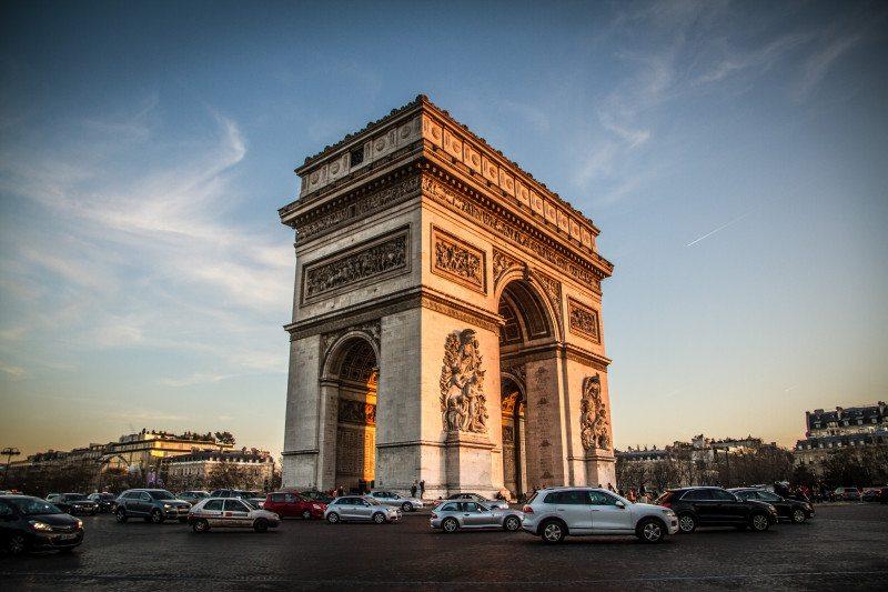 Como foram os atentados em Paris por Diego Imai