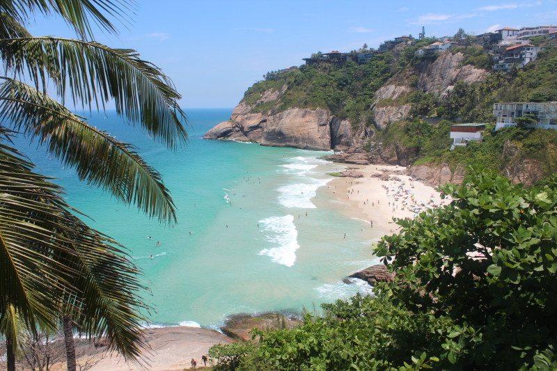 Escondida e descolada: Praia da Joatinga no Rio de Janeiro
