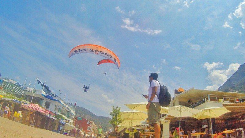 pouso-paraglider-areia
