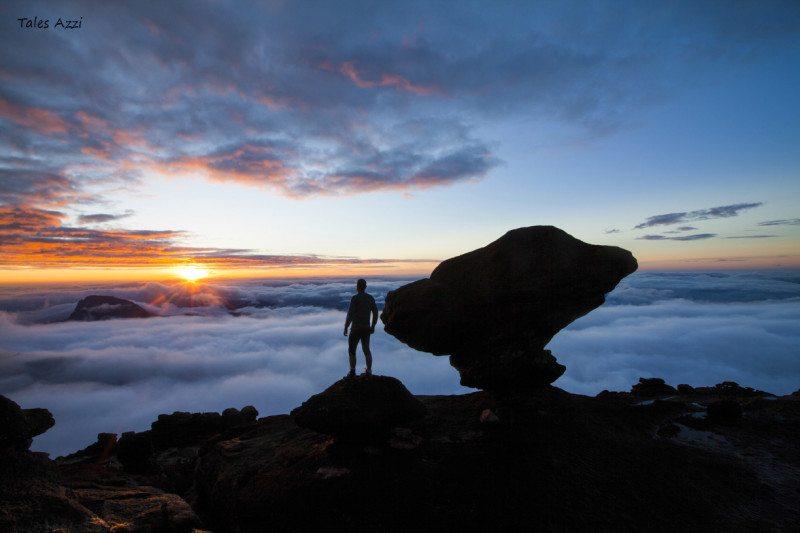 amanhecer no mirante do coati monte roraima