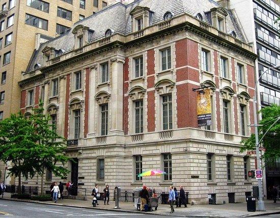 Vista frontal do Galeria Neue em Nova York
