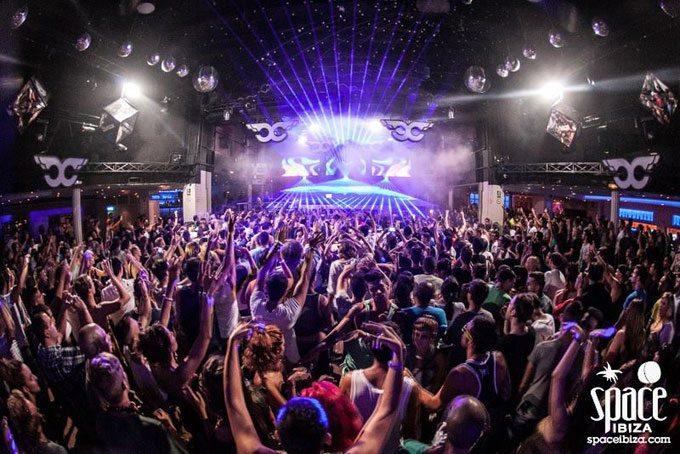 As melhores festas e discotecas de Ibiza