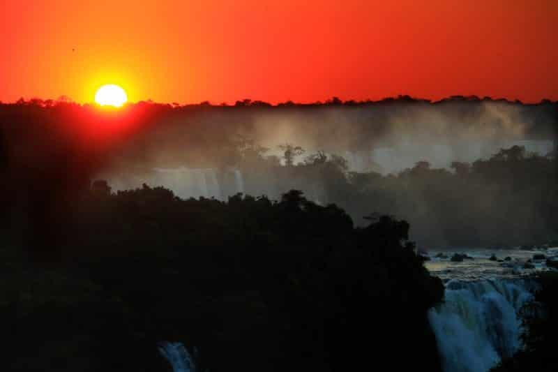 por do sol cataratas do iguaçu