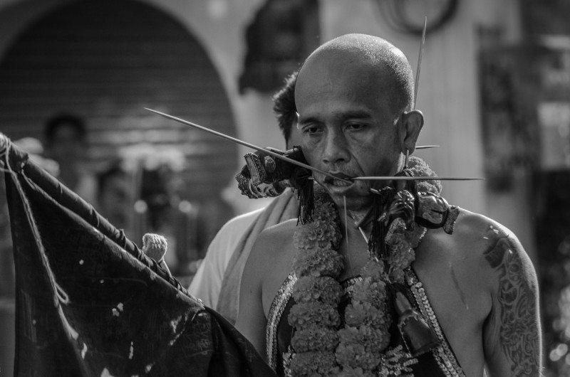 O chocante Festival dos Nove Deuses em Phuket