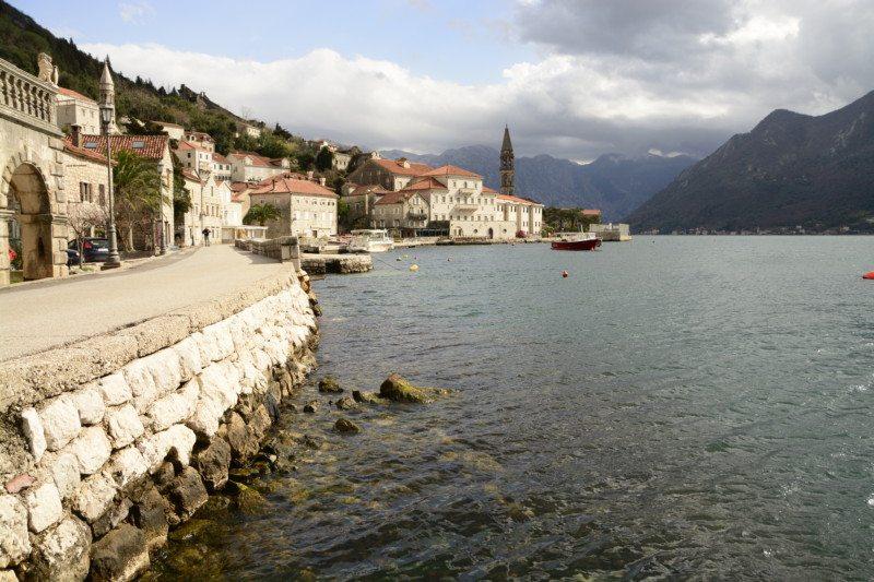 Perast é uma visita imperdível na Baia de Kotor.
