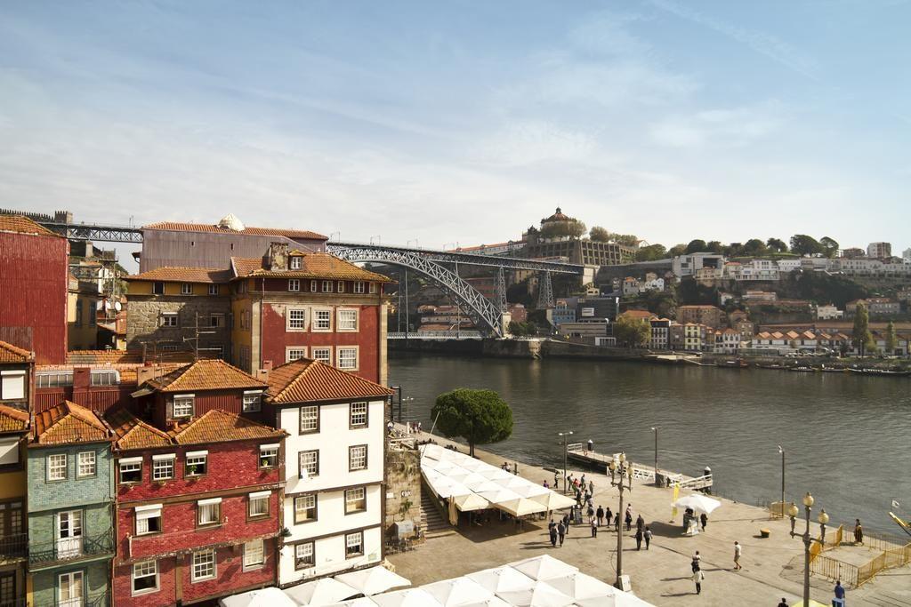 Vista do hotel Ribeira do Porto, em Porto - Portugal.