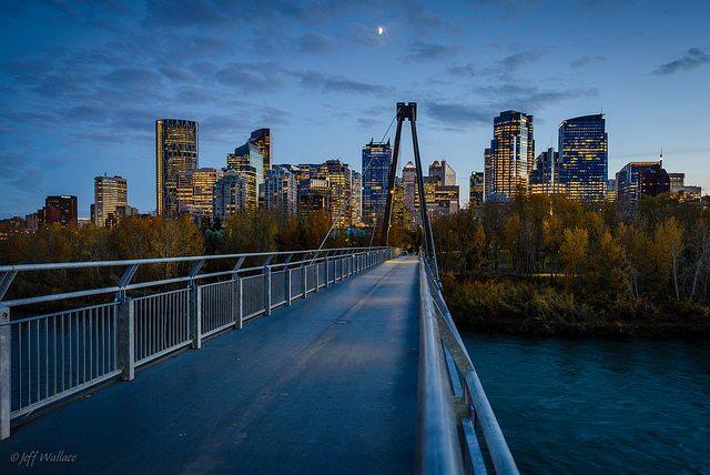 A linda cidade de Calgary no Canadá - Flickr: Jeff Wallace