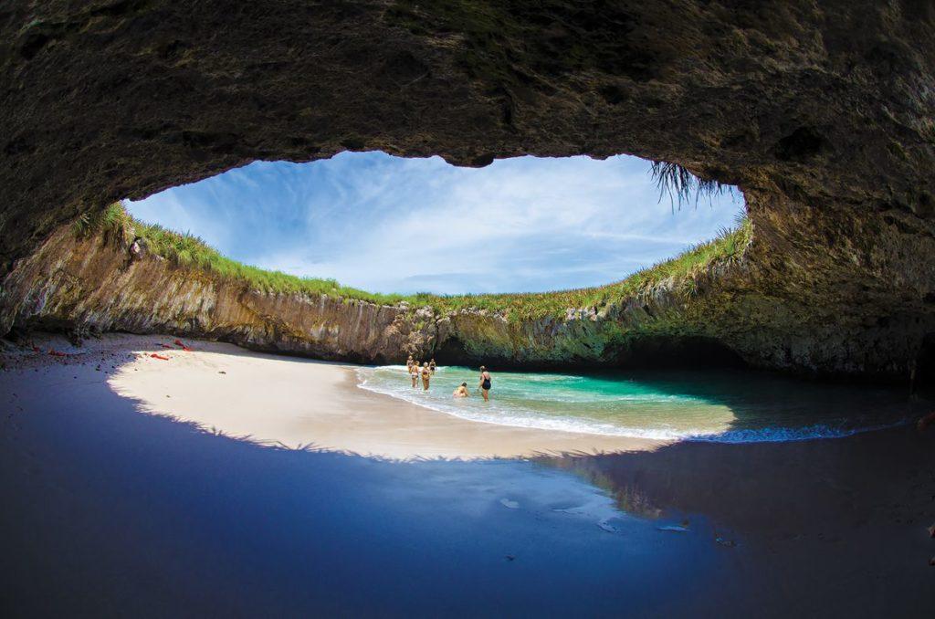 Praia do Amor, Ilhas Marietas em Puerto Vallarta. Foto: Miguel Naranjo, National Geographic.