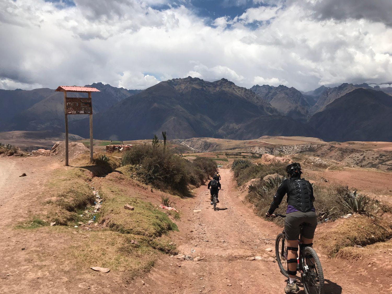 Passeio de bike por Moray e Salinas de Maras | passeios em cusco