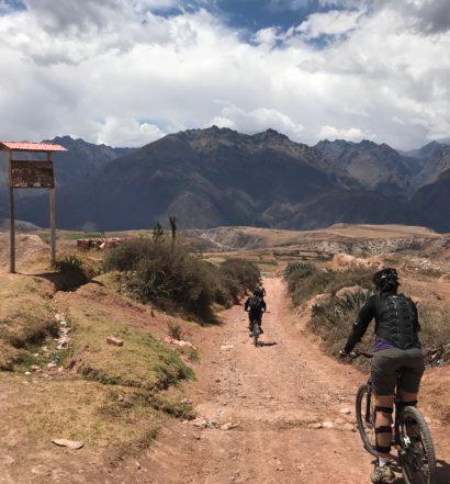 Passeio de bike por Moray e Salinas de Maras   passeios em cusco
