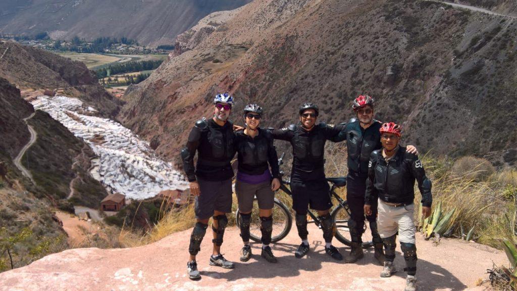 Passeio de bike pelas Salinas de Maras