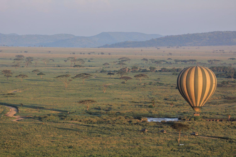passeio de balão em serengeti