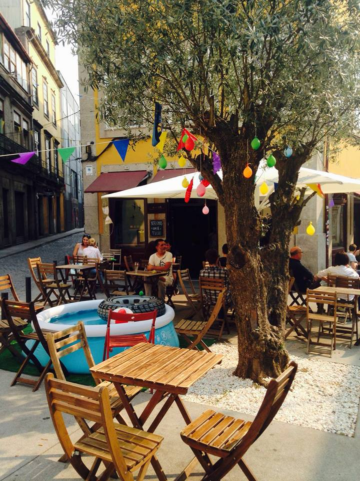Aduela Taberna Bar em Porto, Portugal