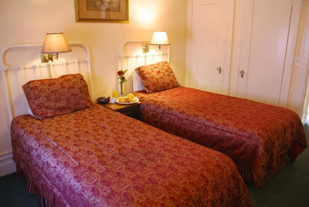 Quarto duplo no Hotel Andrews, em San Francisco