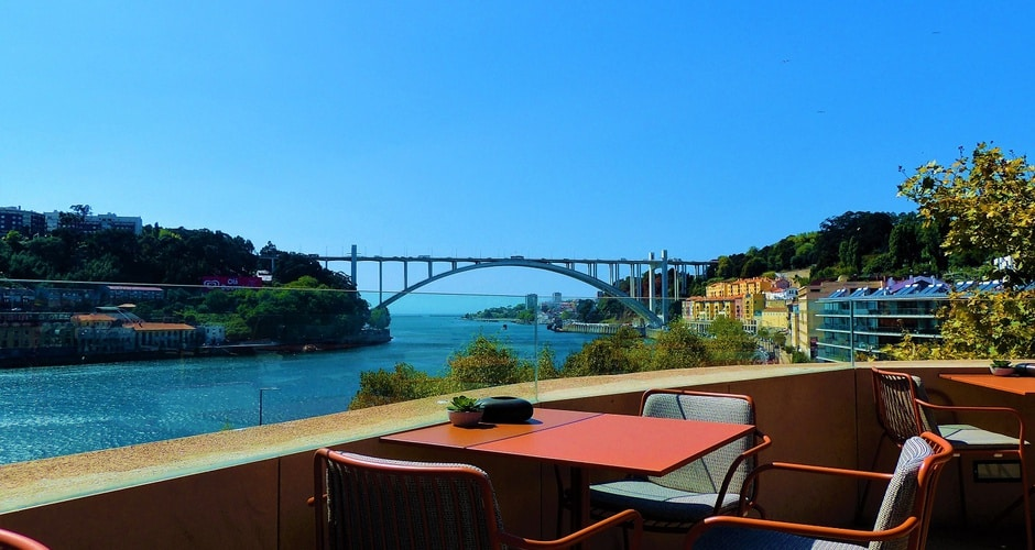 Vista do Douro Sky Lounge em Porto, Portugal