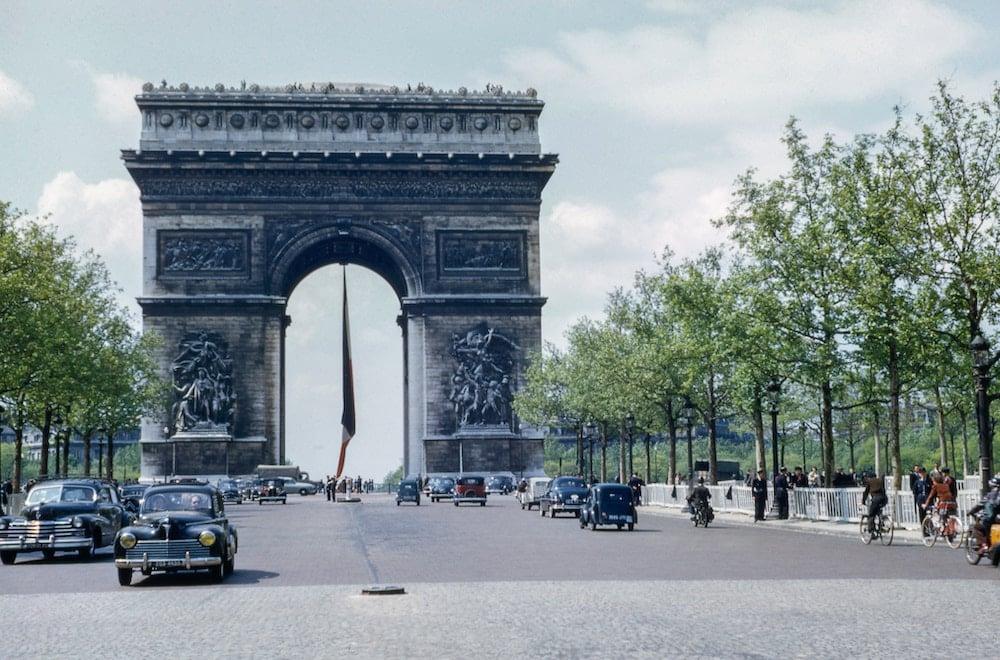 É preciso fazer um seguro viagem para estudar na França