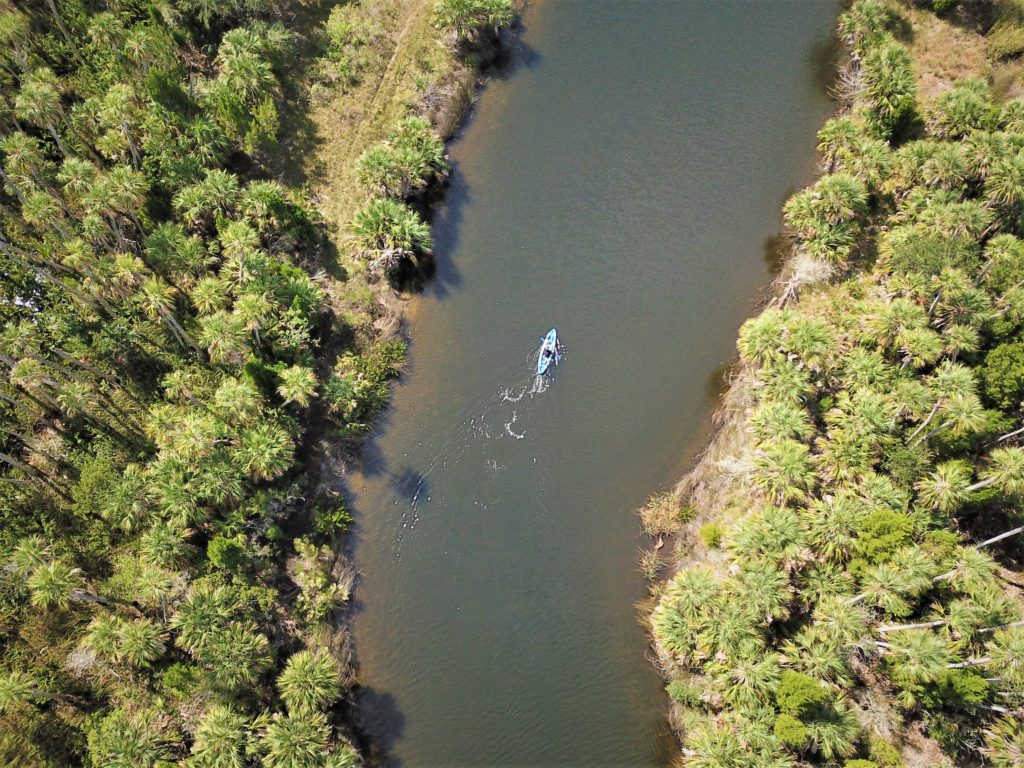 O visual de cima da Trilha Bayport-Linda Pedersen Paddling na Adventure Coast