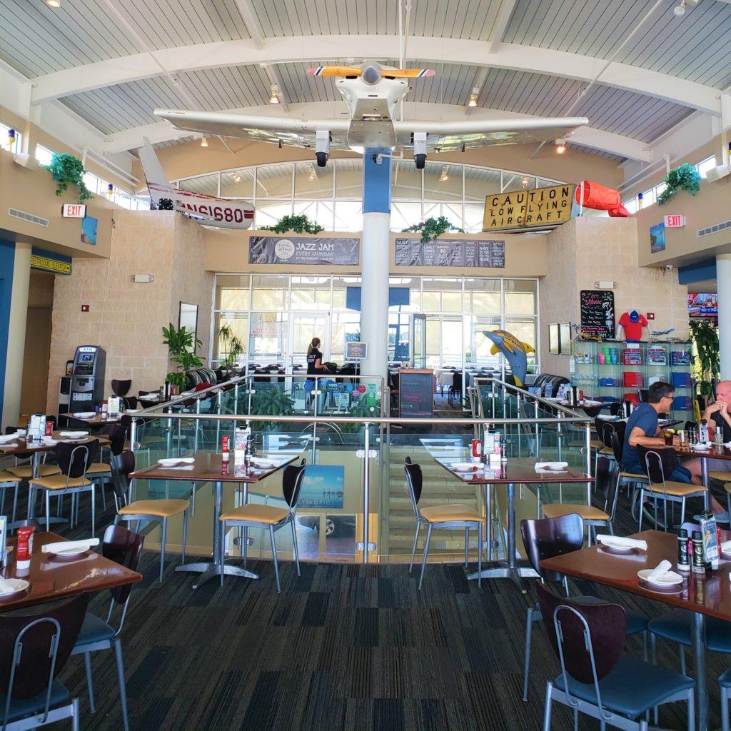 the hangar restaurante