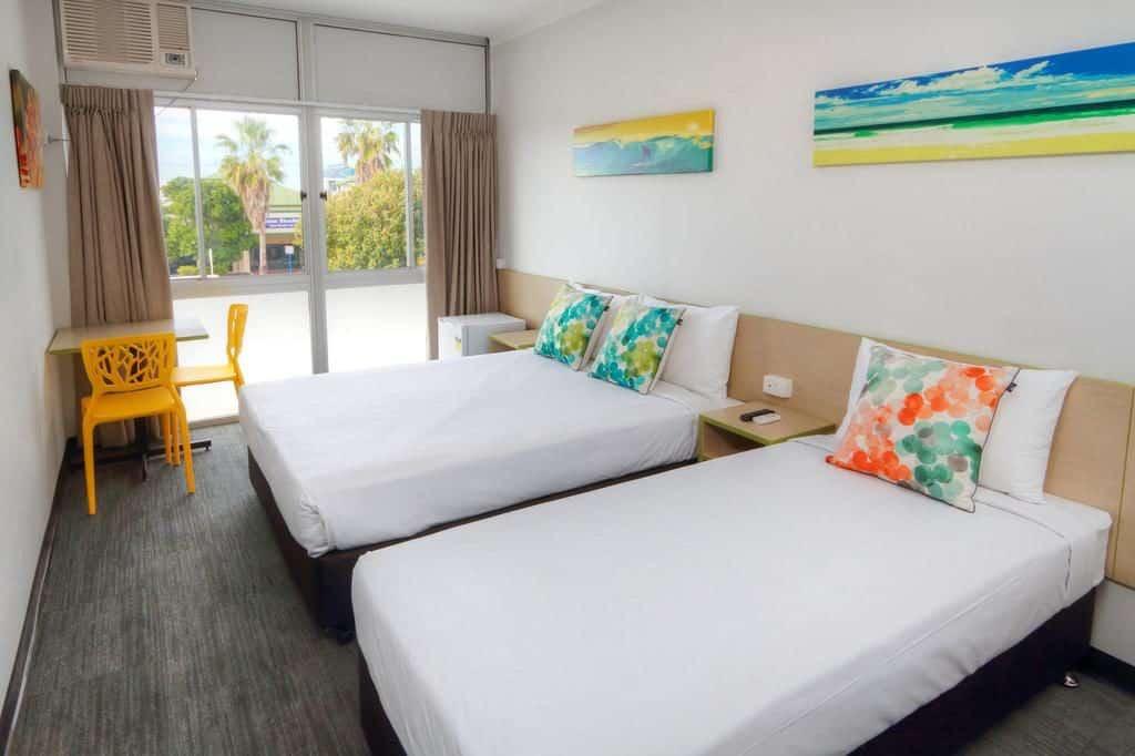 viajando barato pelo mundo - Palm Beach Hotel