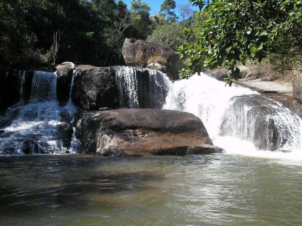 Cachoeira das Andorinhas em Gonçalves MG