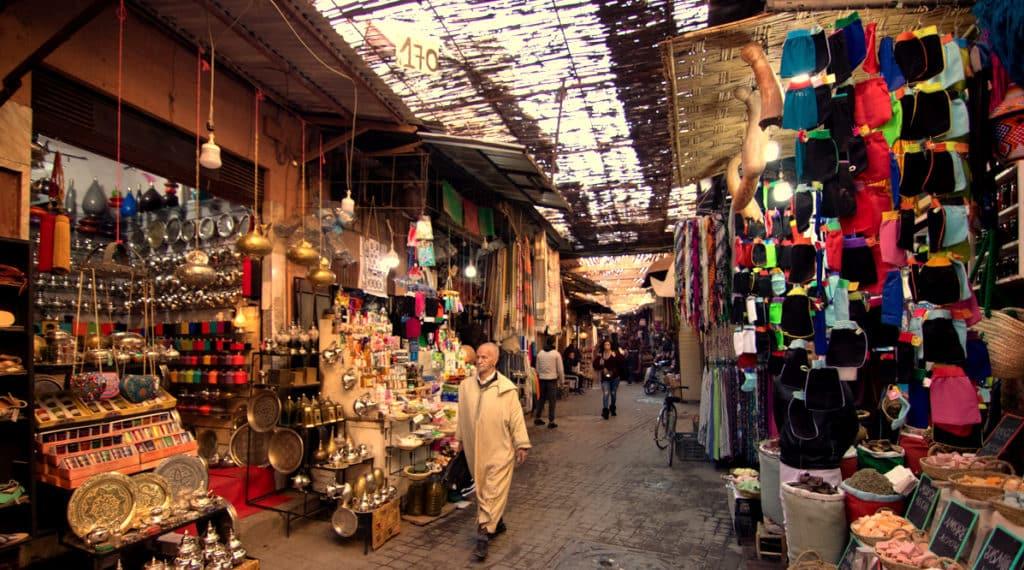 Ruas e lojas da Medina