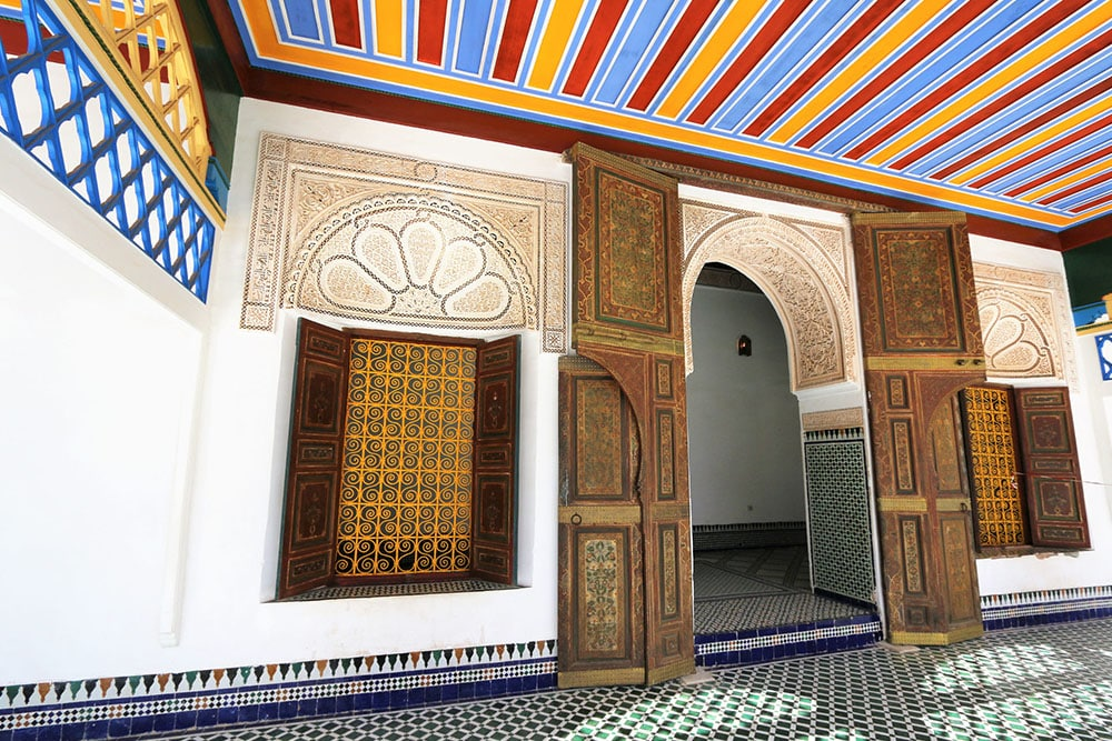Mais detalhes do Palácio da Bahia em Marrakech, Marrocos