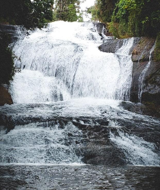 Cachoeira Sete Quedas - Gonçalves MG