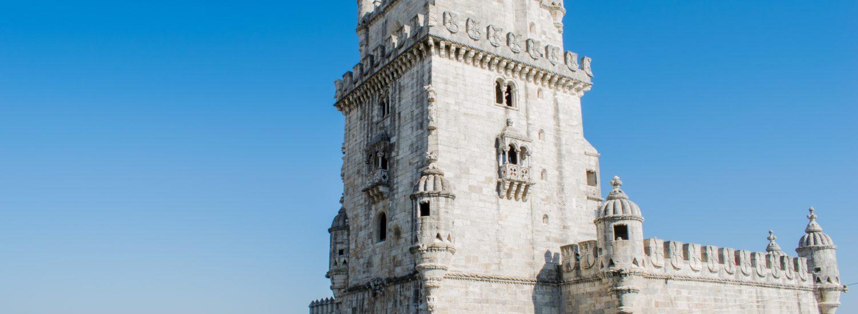A Torre de Belém em Lisboa, um dos pontos para conhecer em um Roteiro Portugal.