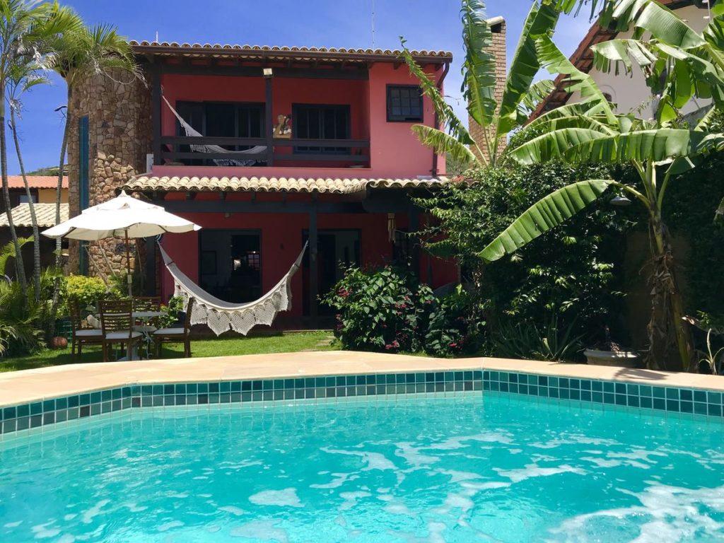 Casa Mar Arraial com piscina, jardim e rede estendida