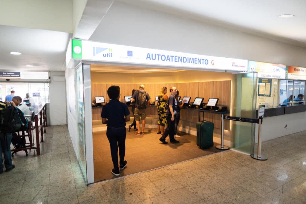Postos de autoatendimento para compras de passagem na Rodoviária do Rio - muito mais agilidade e facilidade para os passageiros.