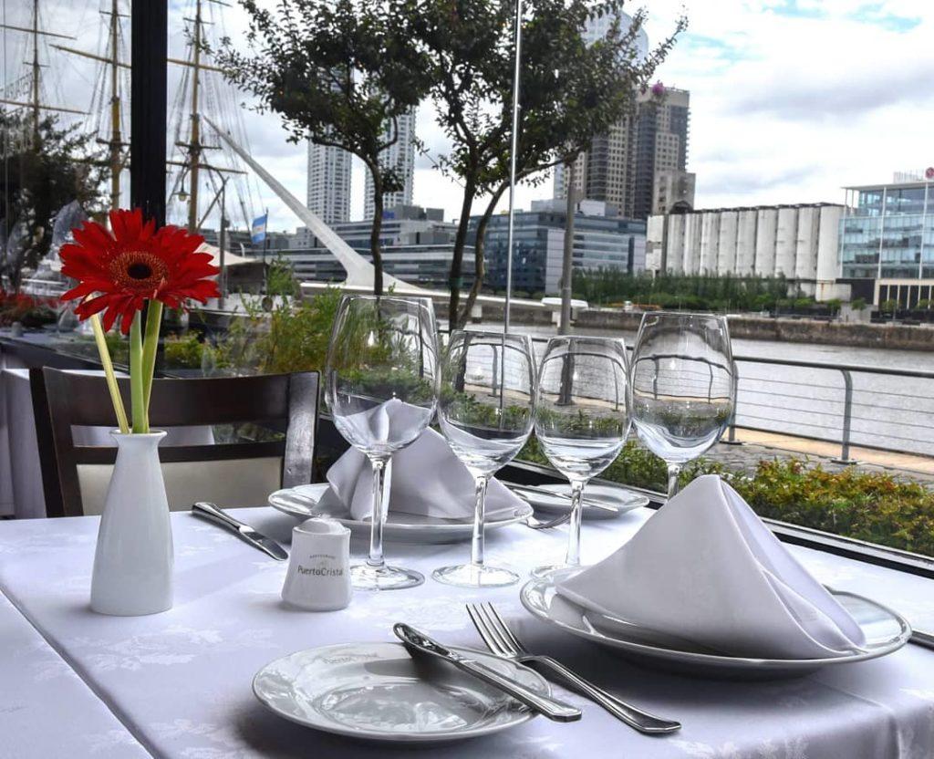 Vista da mesa do Puerto Cristal durante almoço - o que fazer em Buenos Aires