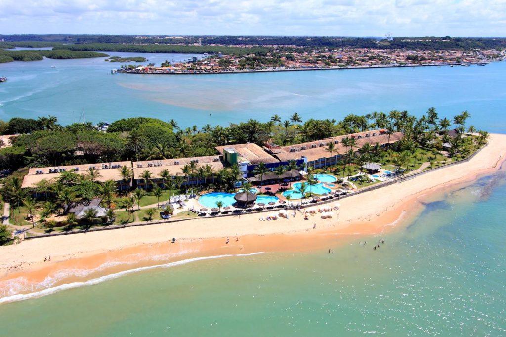 O Arraial d'Ajuda Eco Resort  na Praia do Apaga Fogo - Foto: Divulgação