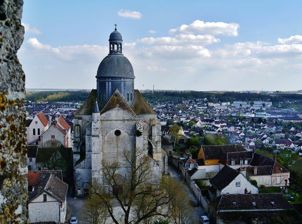 Foto: Zairon via commons.wikimedia.org - Catedral de Saint-Quiriace  em provins