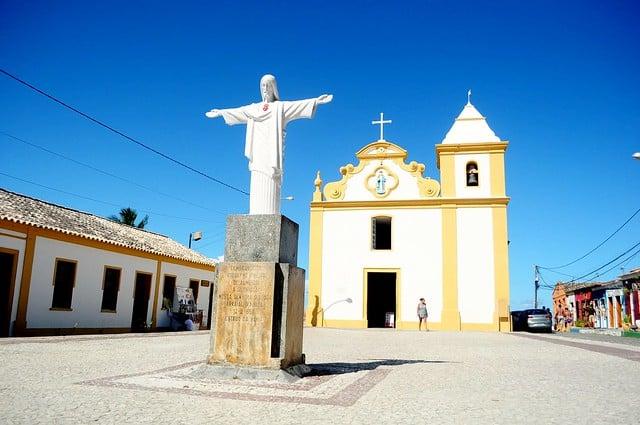 """O Centro Histórico de Arraial d""""Ajuda com a Igreja Matriz"""