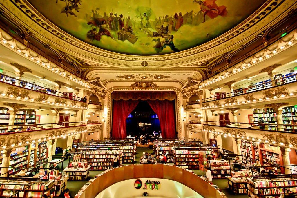 A livraria El Ateneo Grand Splendid por dentro