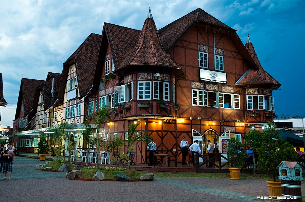 A típica arquitetura de Blumenau em Santa Catarina - Foto: Fábio Massola via Flickr