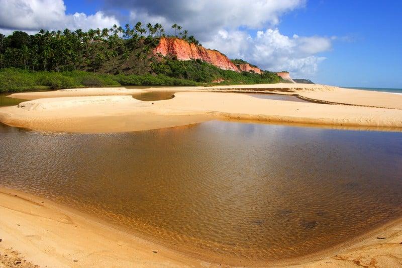 Praia de Taípe em Arraial d'Ajuda - Foto: Porto Seguro Turismo