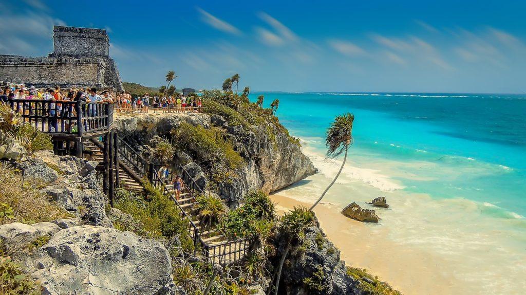 Ruínas Maya com vista para a praia em Tulum