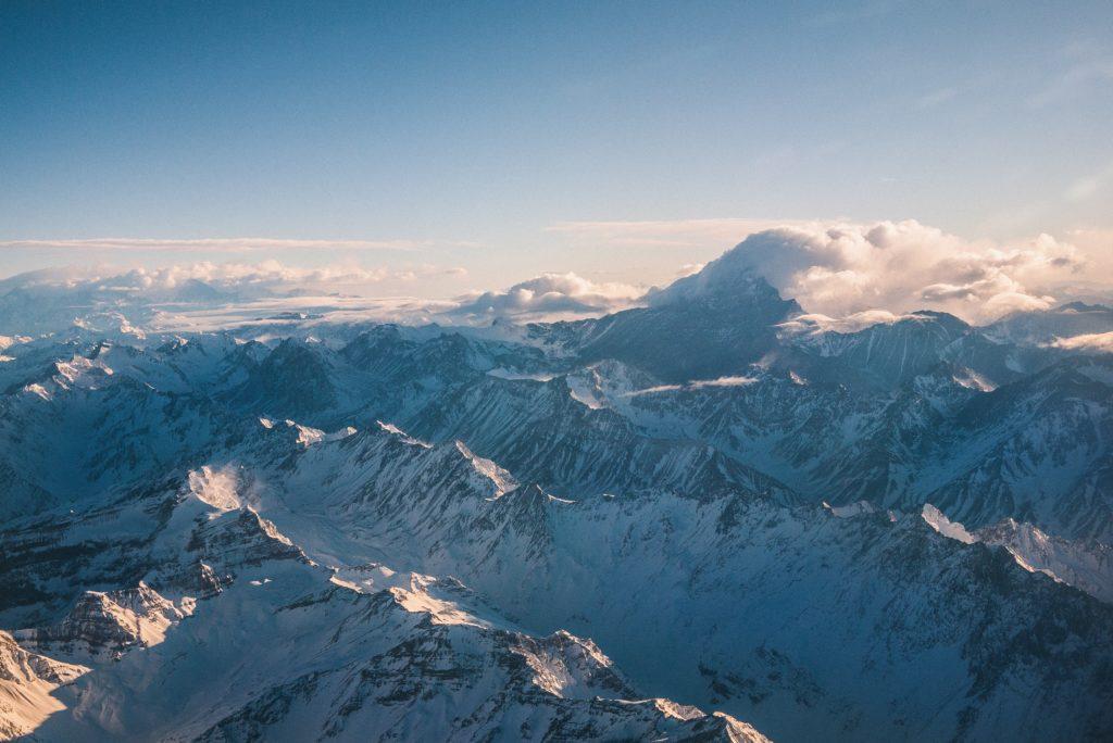 Aconcagua coberta de neve. Foto: Nicolas Prieto on Unsplash