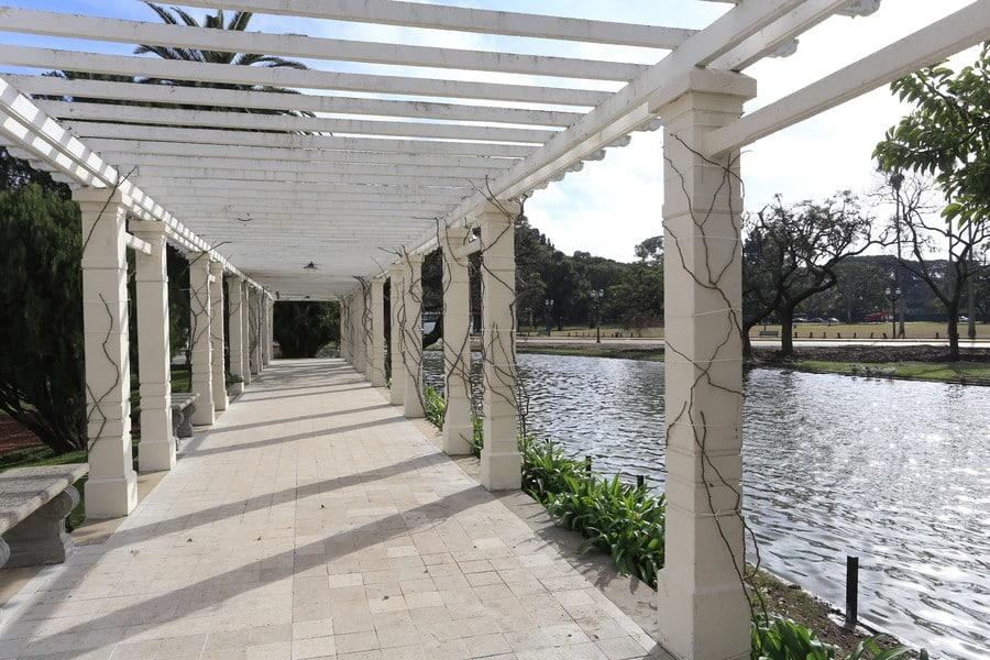 Por lá também existem vários lagos para curtir a vista e relaxar - Foto: Buenos Aires Ciudad