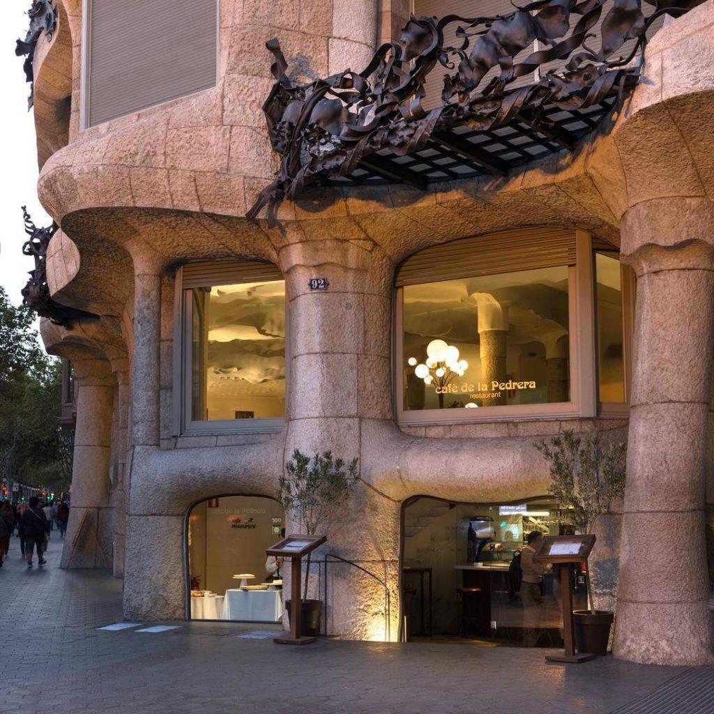 O que fazer em Barcelona - O Café de La Pedreira na Gracia - Foto: @cafedelapedrera