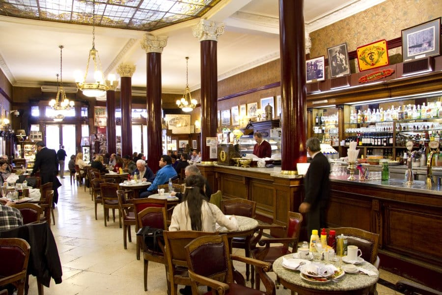 O elegante Café Tortoni na capital Argentina. Foto: Site oficial