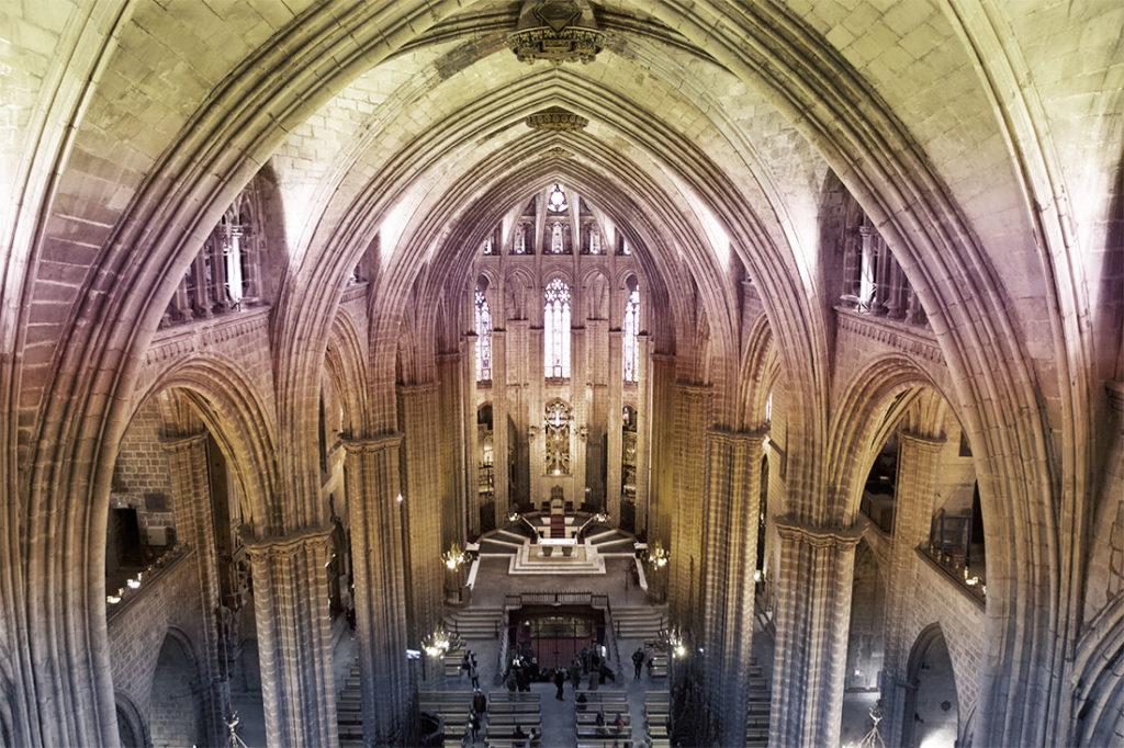 Vista interna da Catedral Basílica Metropolitana de Barcelona - Foto: Site oficial
