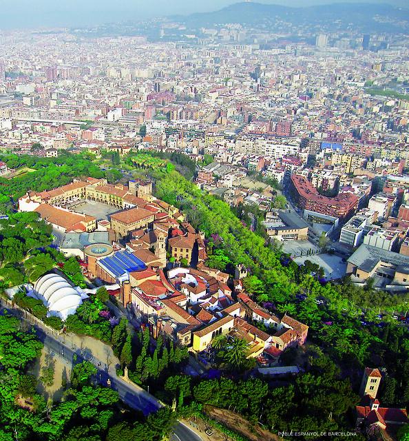 O El Poble Espanyol vista de cima - Foto: Oh-Barcelona.com via Flickr