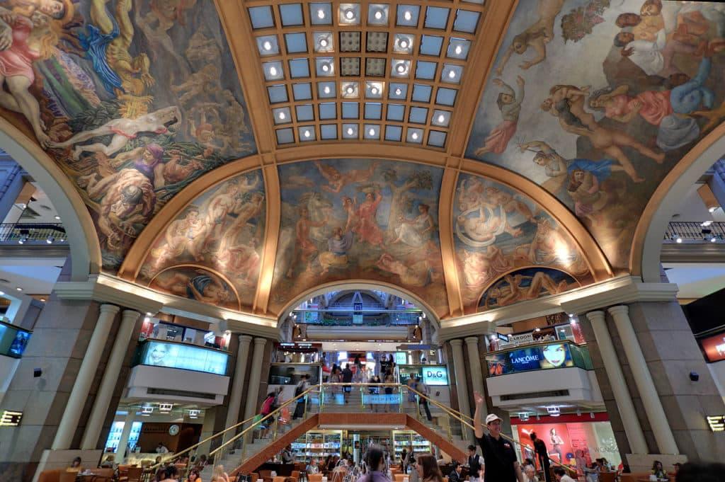 Os afrescos no teto no teto da Galeria Pacifico - Foto: Wikipedia