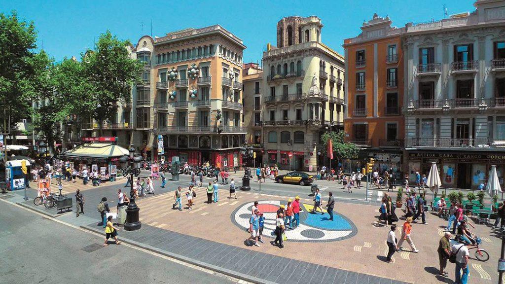 Lojas, restaurantes e café nas Ramblas - Foto: Meet Barcelona
