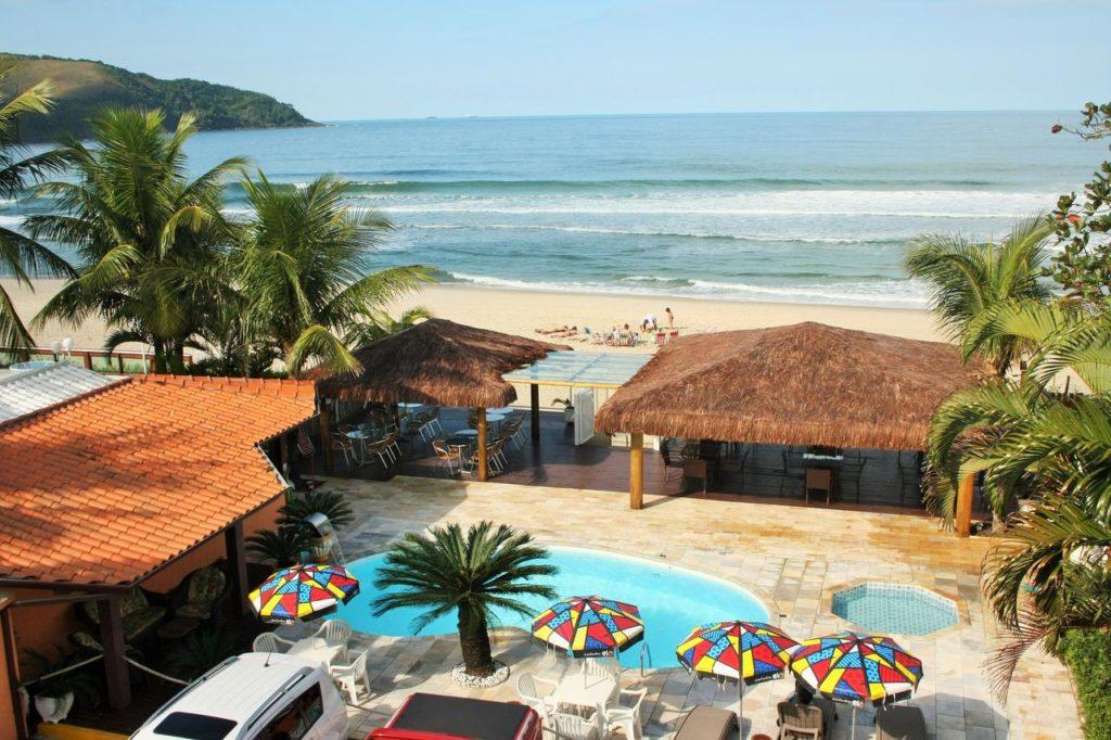 Vista da Praia e piscina na Pousada Beira Mar Maresias