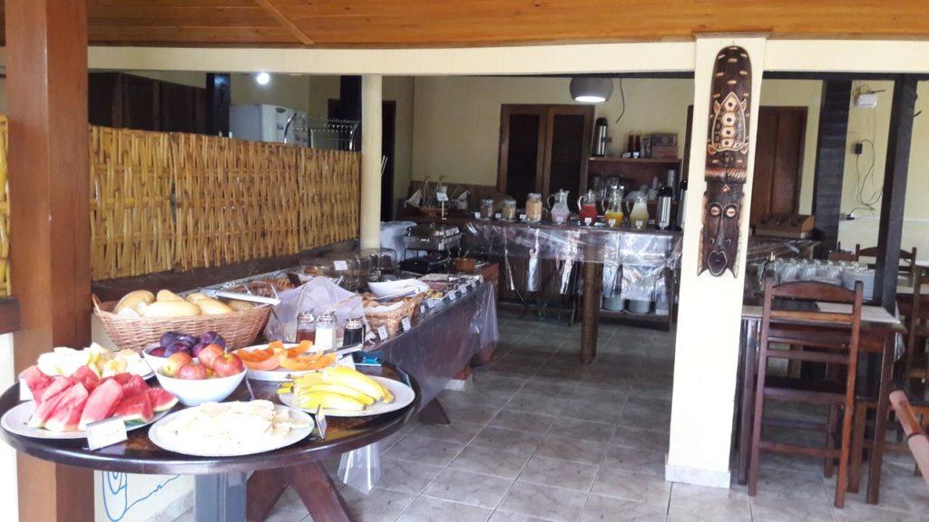 O cafe da manha na Pousada Marimba em Trindade