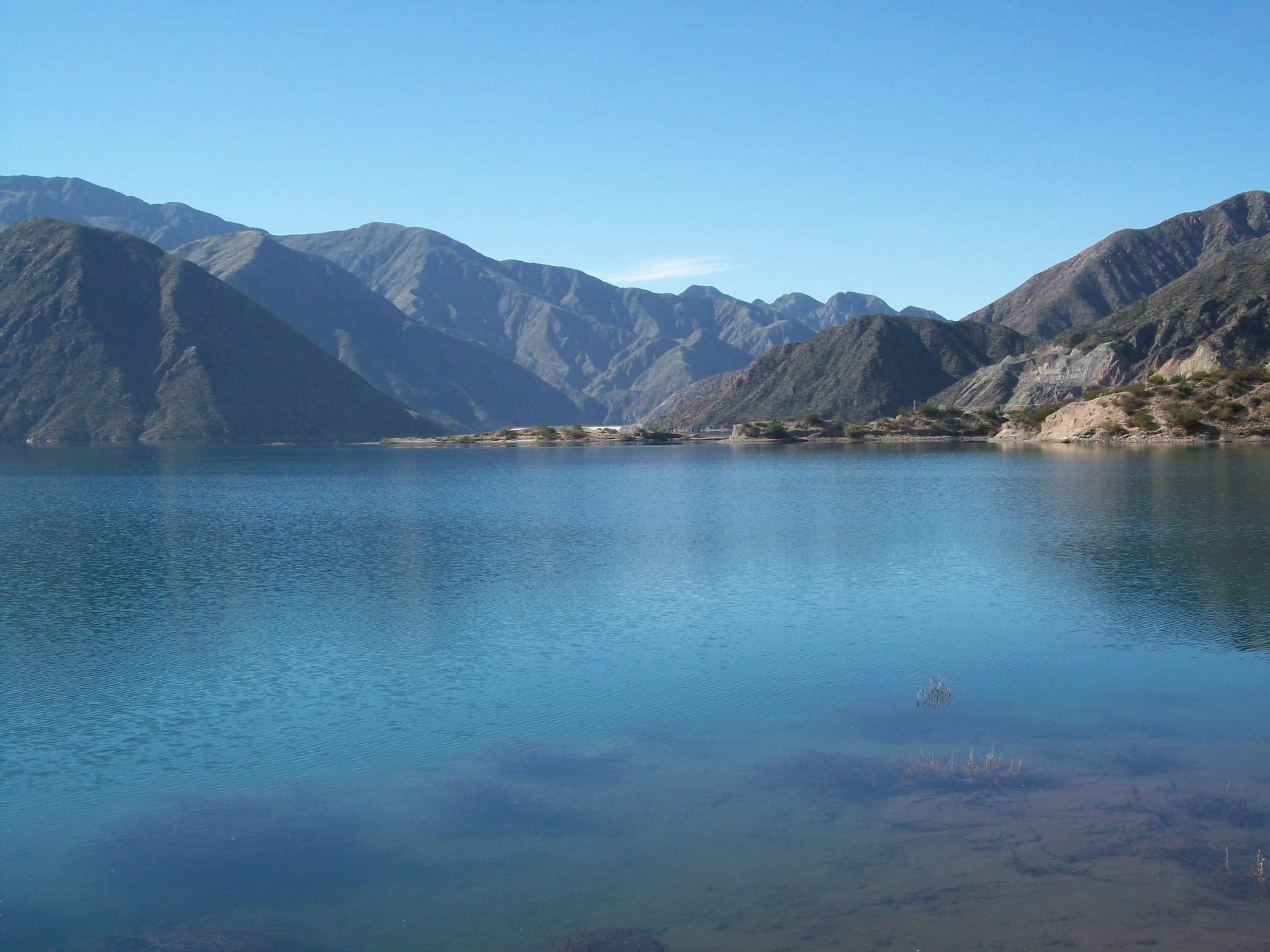 A represa Potrerillos. - Foto: Uliaparicio via Wikimedia
