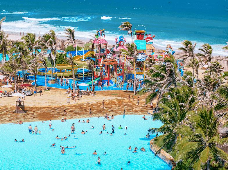 O Beach Park em Fortaleza - Ceará. Ótima opção de lugares para viajar com criançaas e adolescentes.
